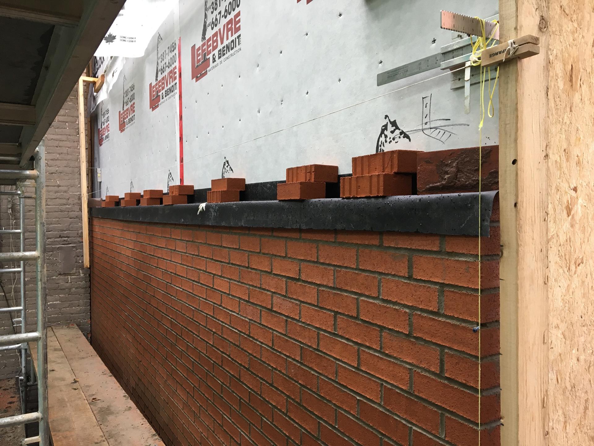 Refection-d'un-mur-brique